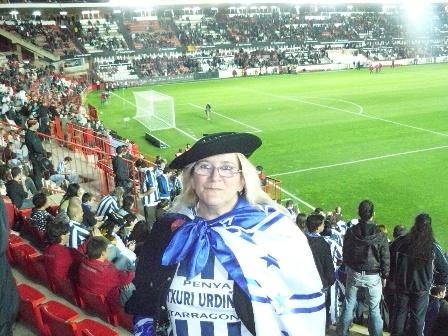 Asun presidenta de la peña Txuri Urdiña de Tarragona