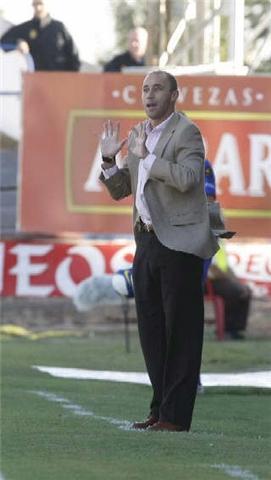 Calderón, entrenador del Huesca.