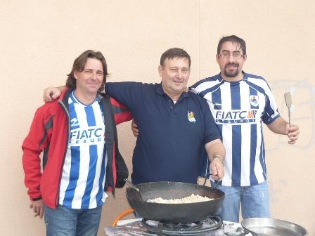 Ayudantes de cocina en el Pla de Santa Maria