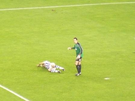 Tanto Iñigo como el guardameta eibarrés ya son conscientes de la gravedad de la lesión del delantero realista.