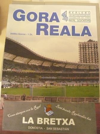 Portada del número uno de la revista Gora Reala.