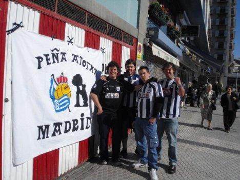 Miembros de la peña Atotxa Madrid