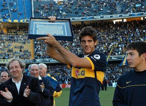 el tenista del Potro  confeso hincha de Boca fue homenajeado antes del partido Boca - Godoy
