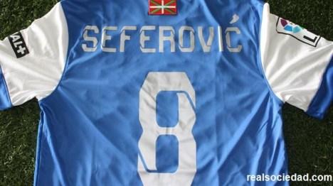 seferovic y 8