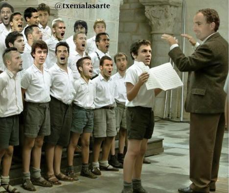 txuri urdines del coro